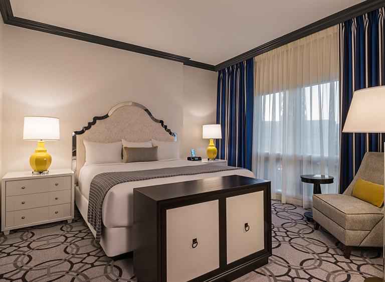 Paris Las Vegas Accommodation