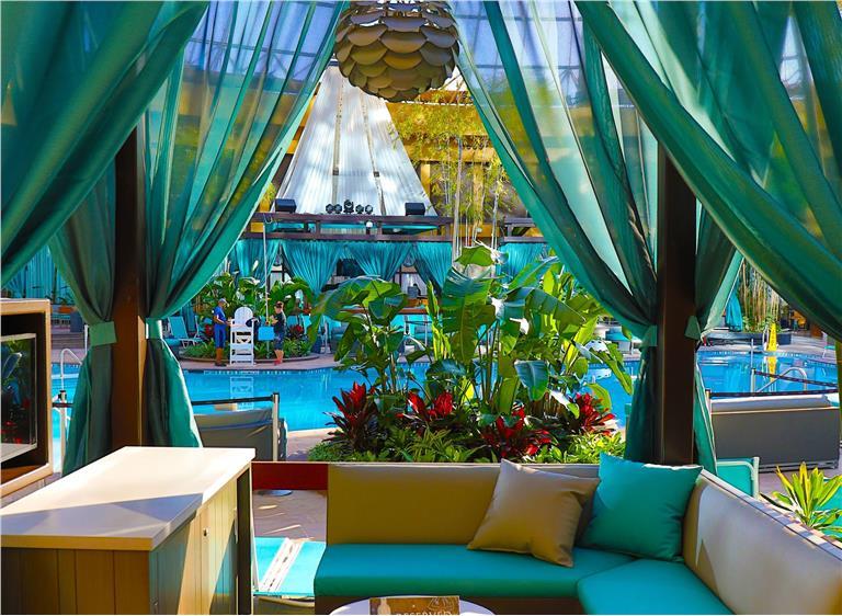 Harrah's Atlantic City – Cabana at The Pool